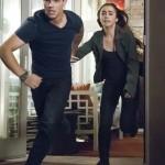 Nathan Harper (Taylor Lautner) und Karen (Lily Collins) auf der Flucht.