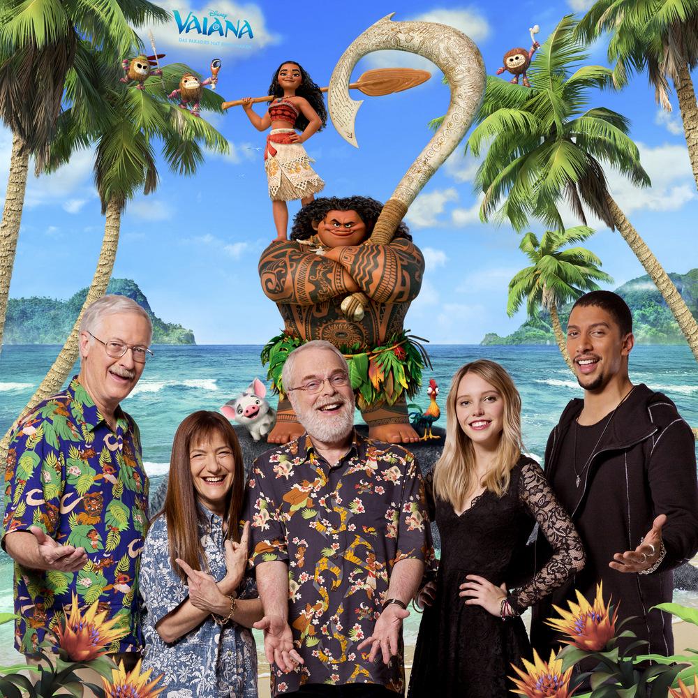 """Von links nach rechts: Regisseur John Musker, Produzentin Osnat Shurer, Regisseur Ron Clements, Lina Larissa Strahl (leiht """"Vaiana"""" ihre Stimme) und Andreas Bourani (spricht """"Maui"""")"""